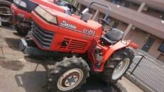 長年使用していたトラクターを売却しました